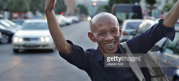 Sumber: http://www.gettyimages.co.uk/detail/news-photo/afrizal-malna-schriftsteller-aktivist-indonesien-news-photo/549677871